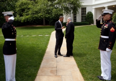 President Barack Obama talks with Prime Minister Benjamin Netanyahu of Israel as they walk from the Oval Office to the South Lawn Drive of the White House, following their meetings, May 20, 2011 (Official White House Photo by Pete Souza)