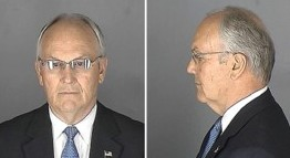 Larry Craig's mugshots, courtesy of thesmokinggun.com