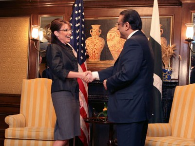 Gov. Sarah Palin of Alaska met with Pres. Asif Ali Zardari of Pakistan at the Intercontinental Hotel in New York on Weds., Sep. 24, 2008 (photo: Tyler Hicks/The New York Times)